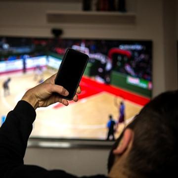ترکیب تبلیغات تلویزیونی و رسانههای اجتماعی